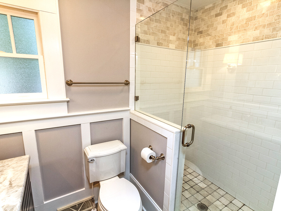 Craig-bathroom1_Plaza Midwood