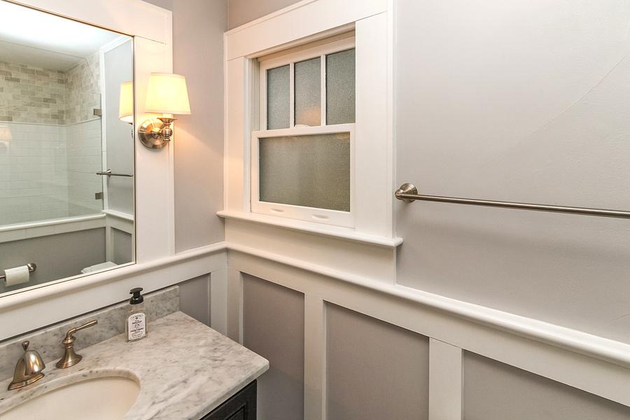 Craig-bathroom4_Plaza Midwood
